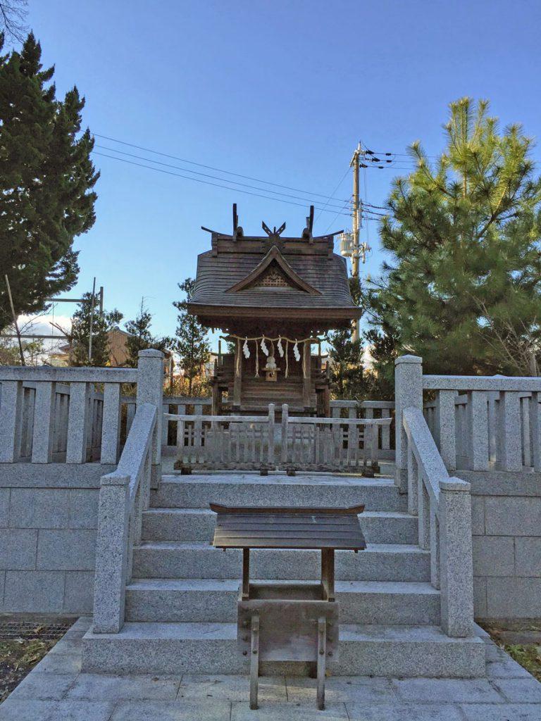 弁慶社(闘鶏神社境内社)
